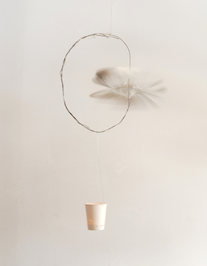 modle with paper cup